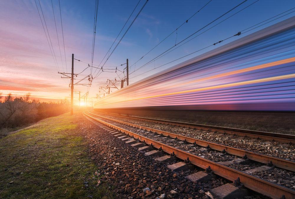 Weltpremiere im Erzgebirge: Erster Zug fährt ferngesteuert