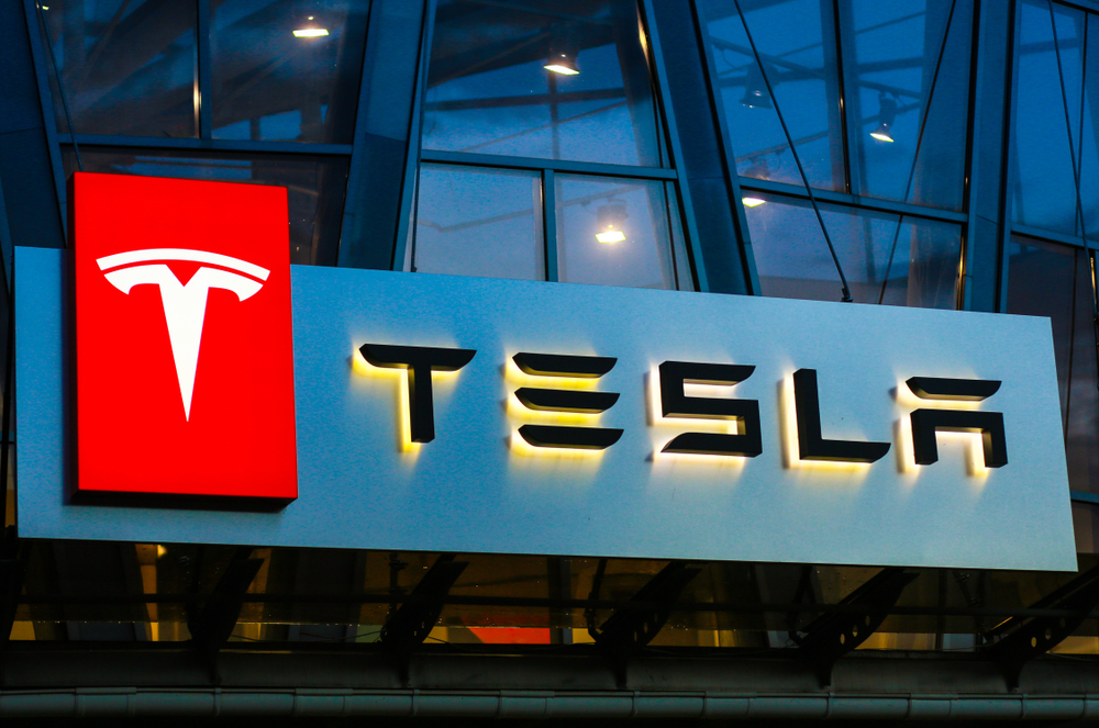 Tesla-Aktie kollabiert nach Fake News