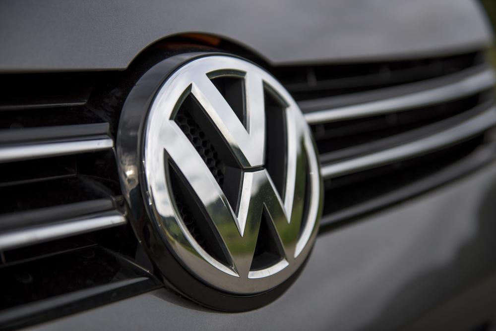 Die neue Zeit: Autobauer stehen unter Strom